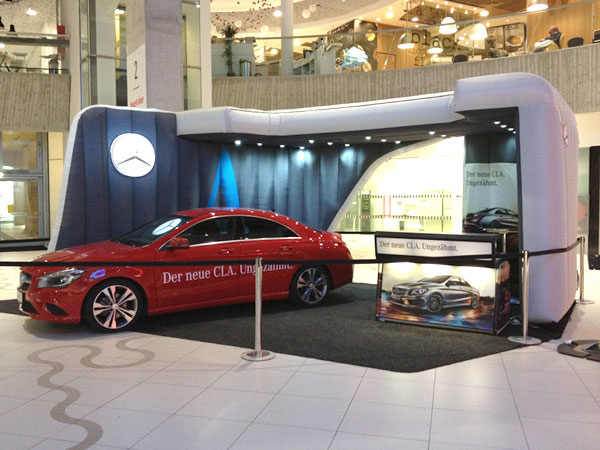 Mercedes-Benz promotion action in Vienna with Justincase portable bar as an info desk