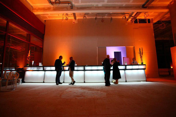 An extra long Justincase bar counter at a catering event